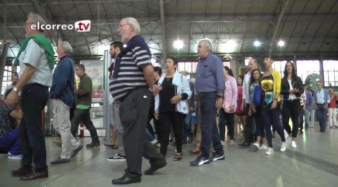 Flashmob en la estación de Abando